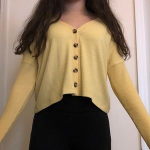 pastel yellow sweater abercrombie and fitch